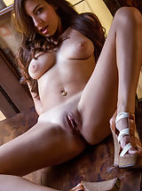 Nina North, Sweet Temptation