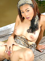Shaving Pussies, Asian Women angoon 01 bigtits forest