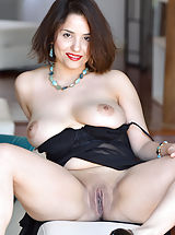 Shaved Pussies, Pagoda Teases