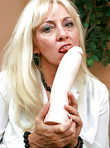 Old Vagina, Ravenous Anilos blonde grandma satisfies her seasoned pussy by masturbating with an amazing fuck machine